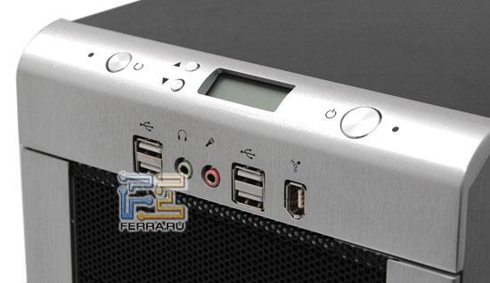 Enermax CS718: блок портов ввода-вывода и дисплей